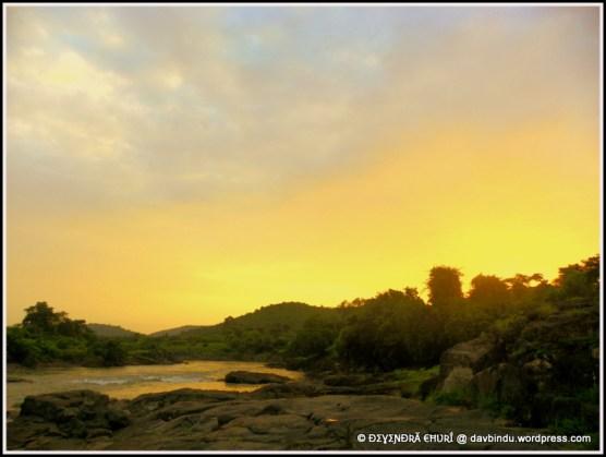 सूर्या नदी ... आमच्या घरापासून पाच किमी ... :)