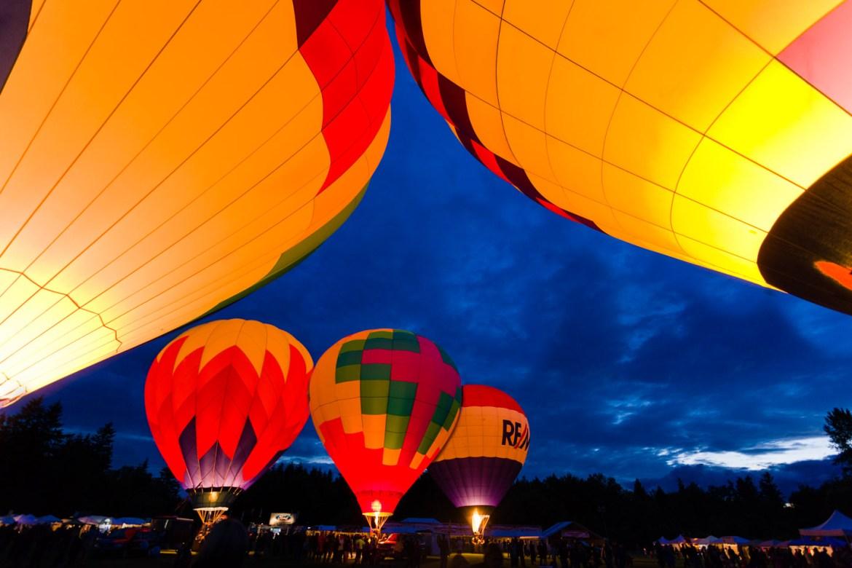 Hot Air Balloons Burn to Glow at Night