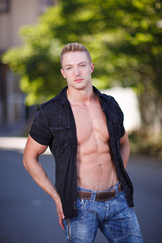 Blond muscle in Salt Lake City