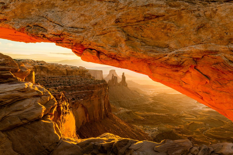 Moab's Mesa arch at sunrise