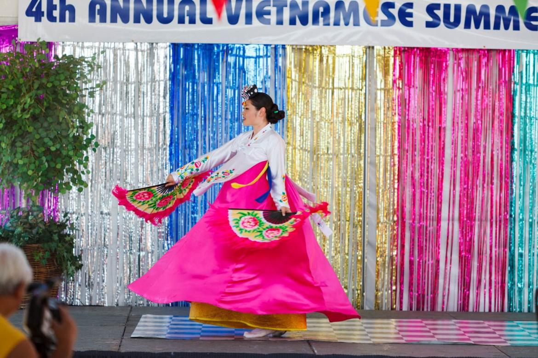 Dances at the Vietnamese festival