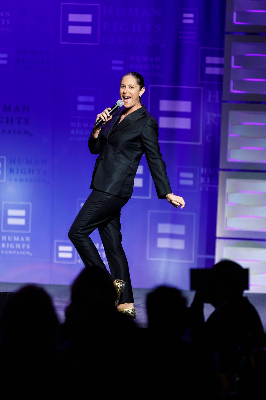 Dana Goldberg entertains