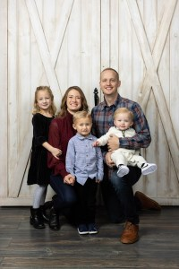 The whole family portrait with barn doors