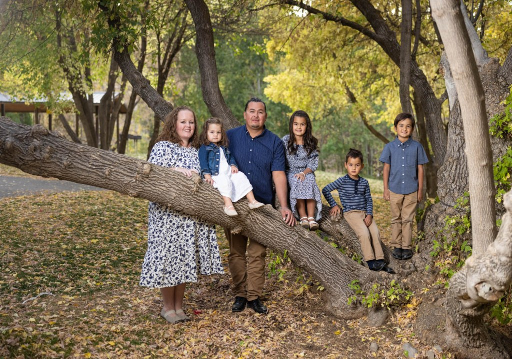 The perfect tree for a layered family portrait