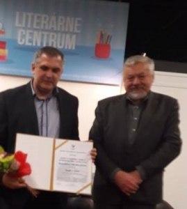 Mgr. Roman Michelko pri udeľovaní ceny Vladimira Ferka, ktorú udeľuje Spolok slovenských spisovateľov za literatúru faktu za knihu Eseje o kríze