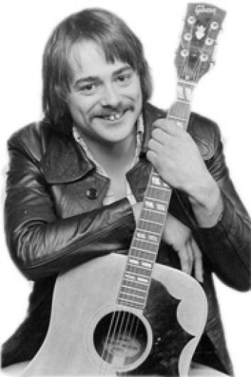 """Dave Keir with Gibson \""""œCountry & Western\"""" guitar , London, c. 1975"""
