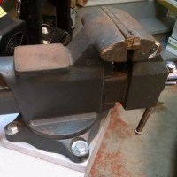 Craftsman Vise: Bench Mounting