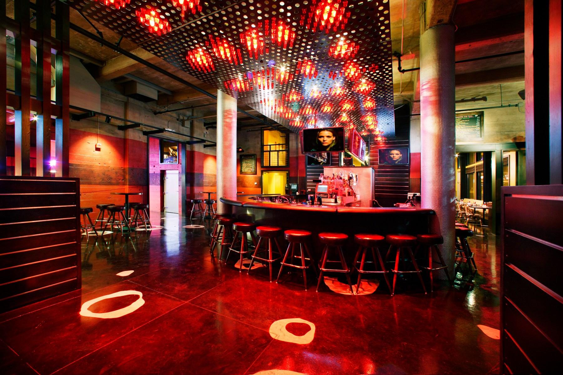 Photo of the bar at R15, Sacramento Ca