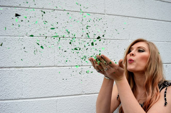 blowing kisses green sparkles.JPG
