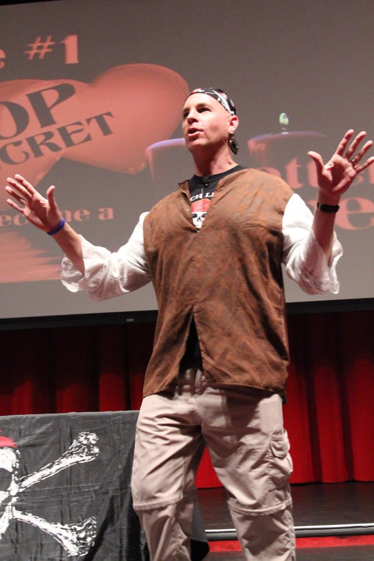 Teach Like a Pirate Dave Burgess Speaking  copy