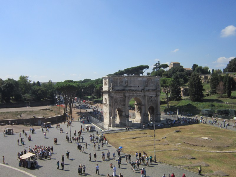 things to do in Rome - view of Arch of Constantine