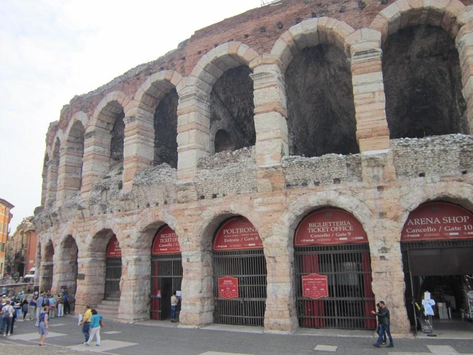 Italy backpacking itinerary
