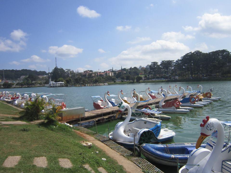 The Swan Boat lake in Đà Lạt