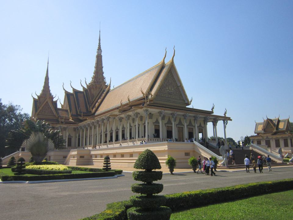 A huge Buddhist style building at the Royal palace in Phnom Penh