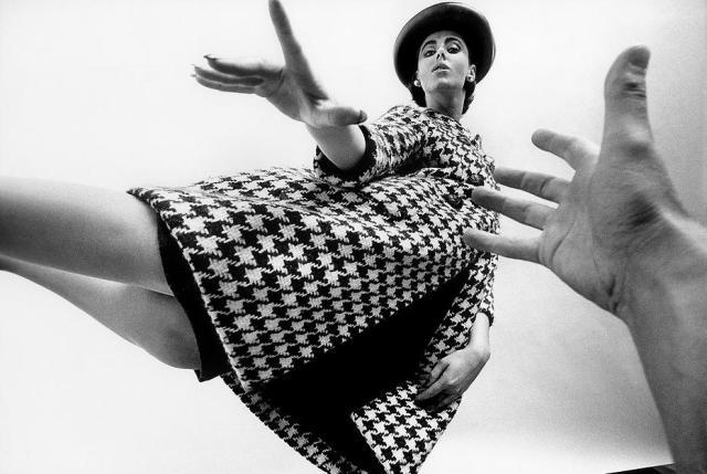 Art Kane 'Hand Reach Model'