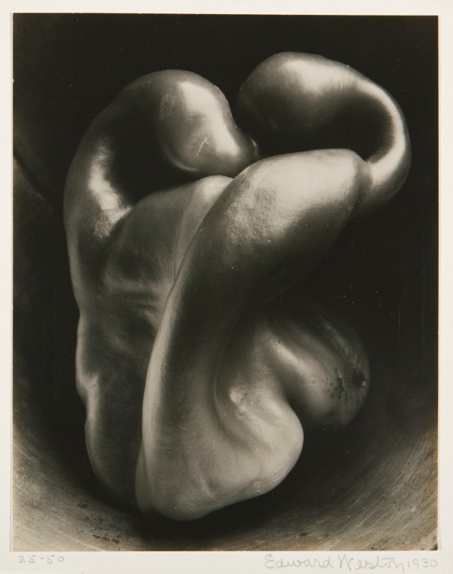 Edward Weston 'Pepper'.jpg