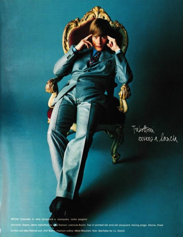 'Throne' Satoshi Saikusa