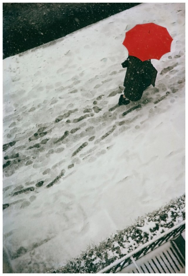3. Saul Leiter 'Footprints', 1950