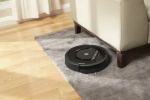 This is an image of the iRobot Roomba 880 Vacuum Cleaning Robot for Pets and Allergies.