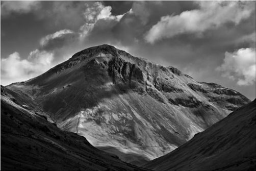 Great Gable Black White - Canvas Print