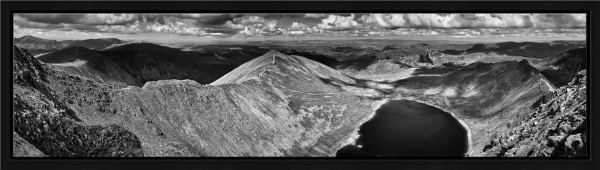 Swirral Edge to Striding Edge - Black White Modern Print