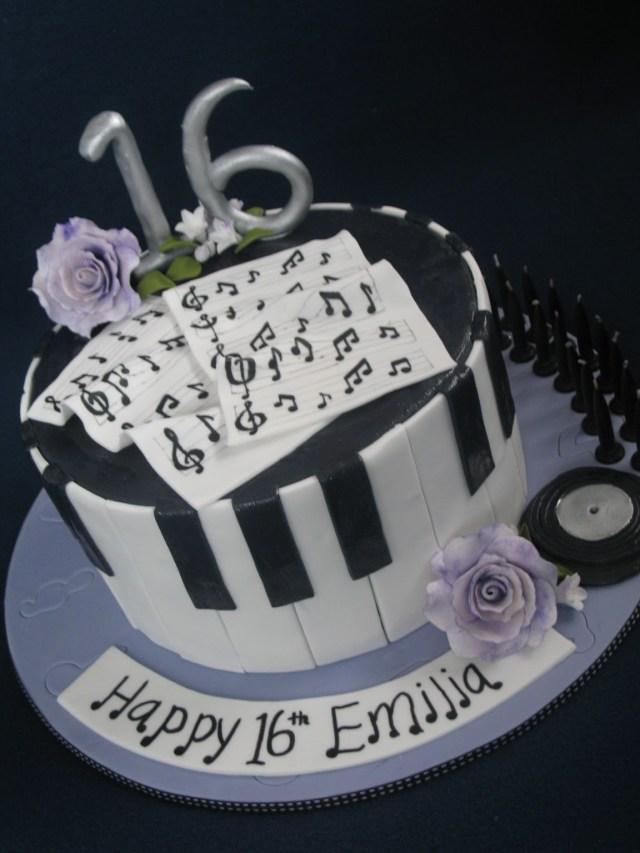 16Th Birthday Cake Ideas Blissfully Sweet An Elegant Musical 16th Birthday Cake