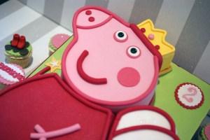 2Nd Birthday Cake Peppa Pig 2nd Birthday Cake With Cupcakes Bakealous