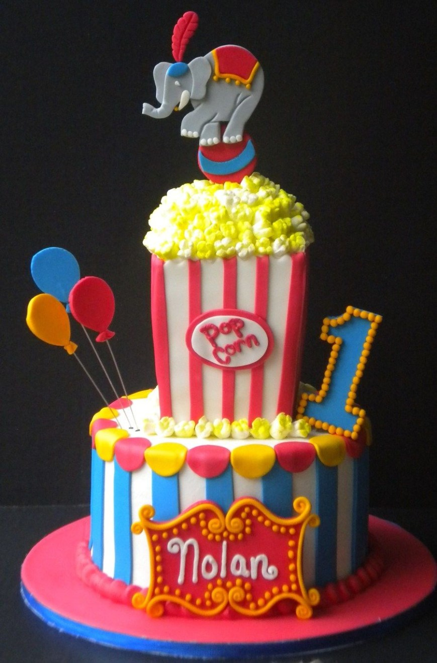 Circus Birthday Cakes Circus Themed 1st Birthday On Cake Central Landens Birthday Party
