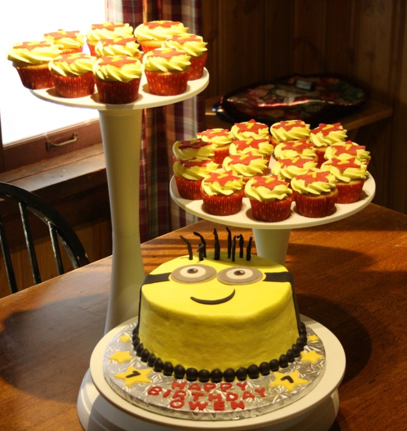 Despicable Me Birthday Cake Minion Birthday Cake And Cupcakes For A Fan Of Despicable Me