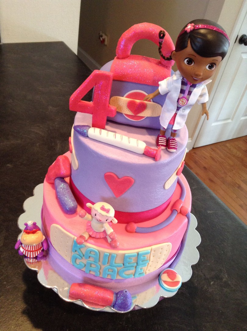 Doc Mcstuffin Birthday Cakes Doc Mcstuffins Birthday Cake Dream Cakes Melissa Pinterest