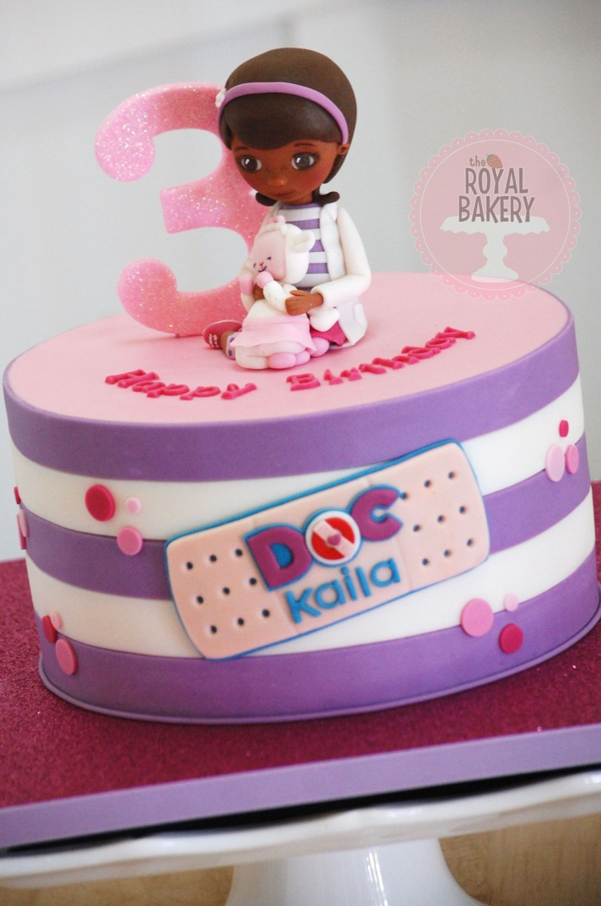 Doc Mcstuffin Birthday Cakes Doc Mcstuffins Cake With Fondant Doc And Lambie Figures The Royal