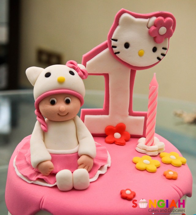 Kitty Birthday Cake Songiah Ayeshas Hello Kitty Birthday Cake
