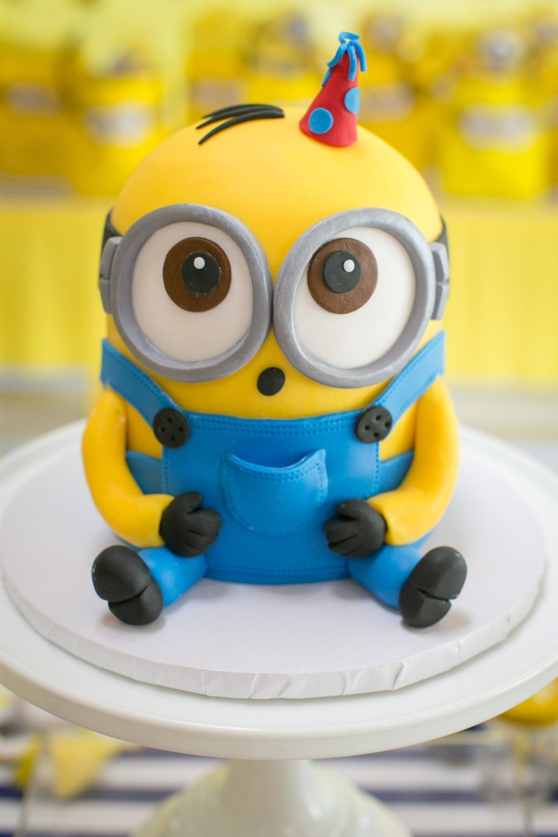 Minions Birthday Cakes This One In A Minion Birthday Party Will Have Your Kiddo Going