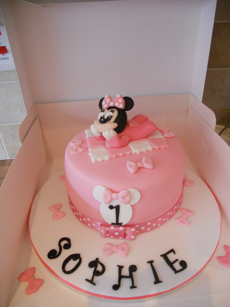 Minnie Mouse Birthday Cake Ba Minnie Mouse 1st Birthday Cake Wwwfacebookcakes Flickr