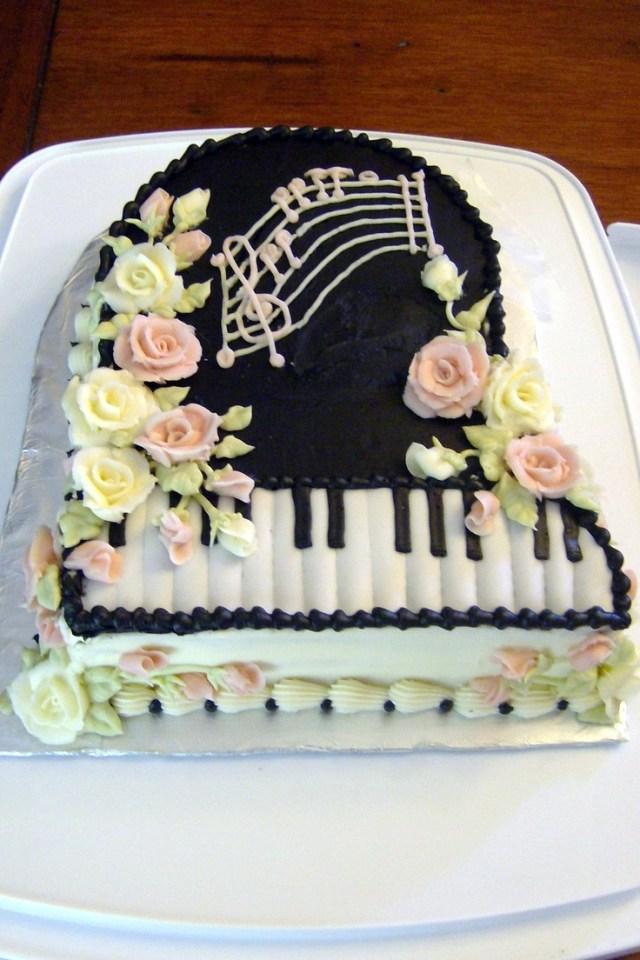 Piano Birthday Cake 10 Celebrity Birthday Cakes Piano Photo Happy Birthday Piano Cake