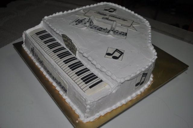 Piano Birthday Cake Izahs Kitchen 3d Piano Cake