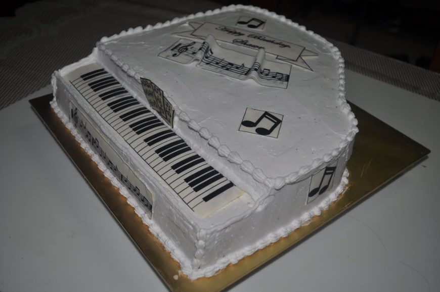 Piano Birthday Cake Izahs Kitchen 3d Piano Cake