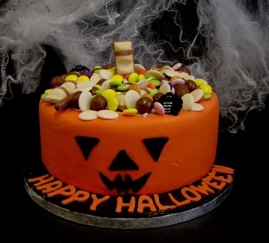 Pumpkin Birthday Cake Pumpkin Treat Cake Mannings Bakery