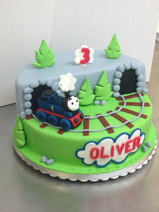 Train Cakes For Birthdays Train Cakes Google Search Tortk Pinterest Cake Birthday