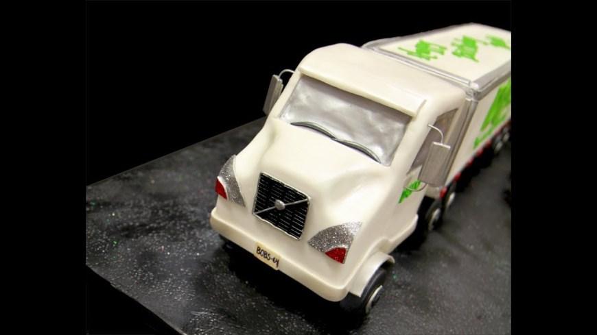 Truck Birthday Cake Tractor Trailer Truck Birthday Cake Youtube