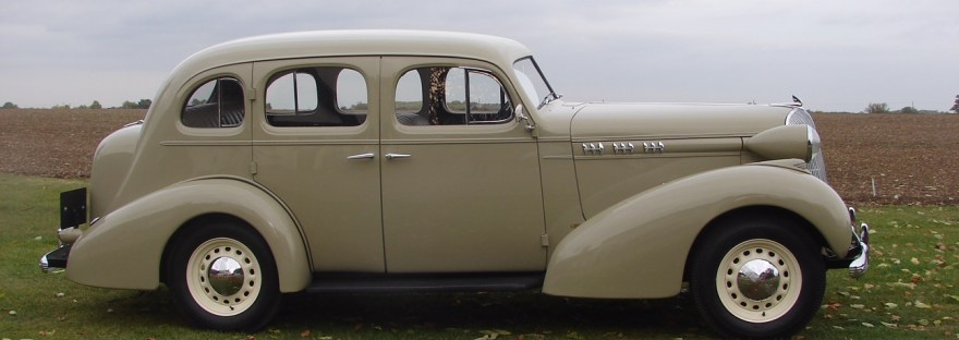 Oldsmobile F35 saloon American Car