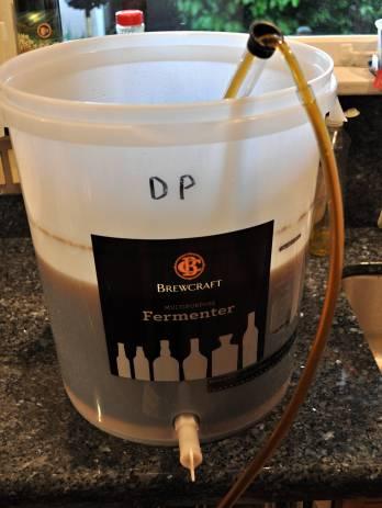Raking off wort to the secondary fermenter