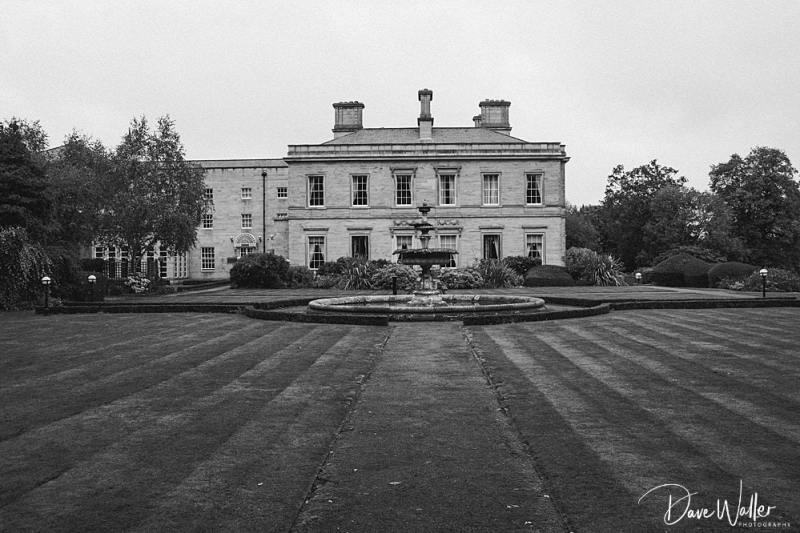Oulton_Hall_Wedding_Photography_|_Leeds_Yorkshire_Wedding_Photographer_12.jpg
