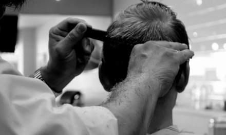 Jak układać włosy męskie? Poradnik