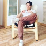 Lookbook #5: Biały T-Shirt i brązowe joggery
