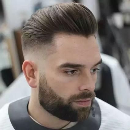 modne fryzury męskie 2020 średnie pompadour
