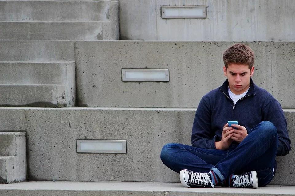 O czym pisać z dziewczyną na FB? – setny tekst o tym samym