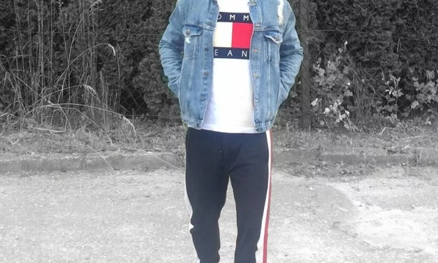 Kurtka Jeansowa + T-Shirt Tommy Hilfiger – Lata 90.