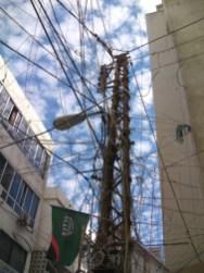 Incroyable tissage de câbles électriques à Tyr, au Liban.