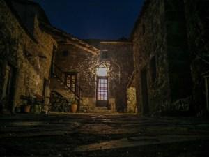 Entre deux trajets, je me fais héberger dans cette magnifique bâtisse dans les Cévennes.